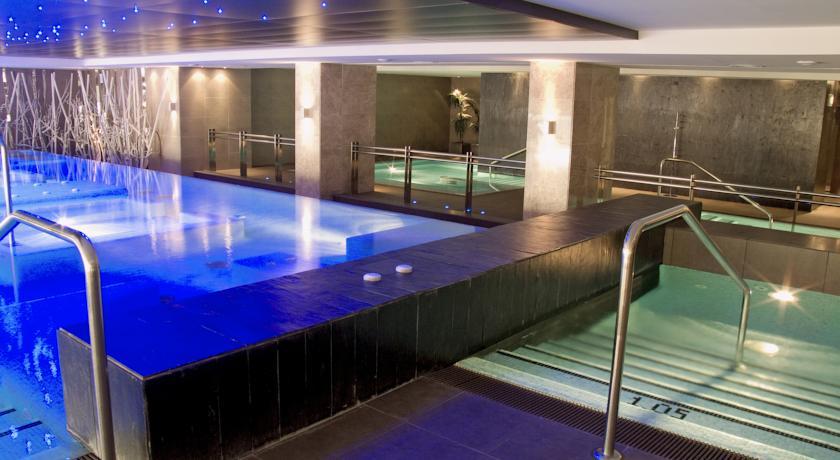 https://golftravelpeople.com/wp-content/uploads/2019/04/Vincci-La-Envia-Golf-and-Wellness-Resort-Hotel-4.jpg