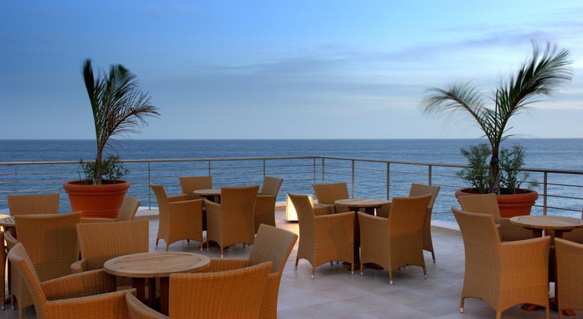 https://golftravelpeople.com/wp-content/uploads/2019/04/Vincci-Tenerife-Golf-Hotel-12.jpg