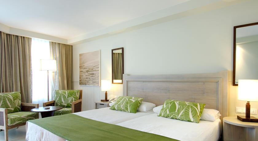 https://golftravelpeople.com/wp-content/uploads/2019/04/Vincci-Tenerife-Golf-Hotel-2.jpg