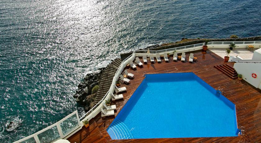 https://golftravelpeople.com/wp-content/uploads/2019/04/Vincci-Tenerife-Golf-Hotel-4.jpg