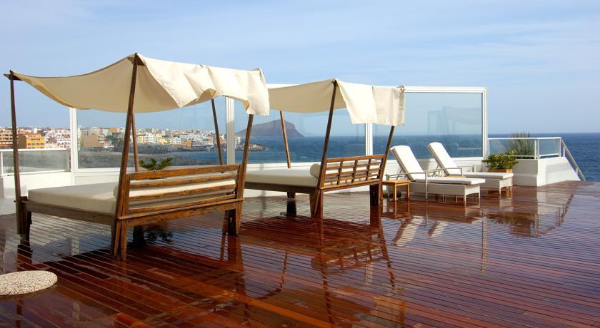 https://golftravelpeople.com/wp-content/uploads/2019/04/Vincci-Tenerife-Golf-Hotel-7.jpg