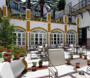 https://golftravelpeople.com/wp-content/uploads/2019/04/Vincci-la-Rabida-Hotel-Seville-2.jpg