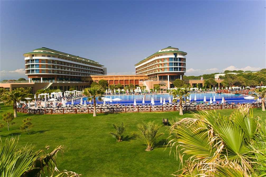https://golftravelpeople.com/wp-content/uploads/2019/04/Voyage-Golf-Spa-Hotel-10.jpg