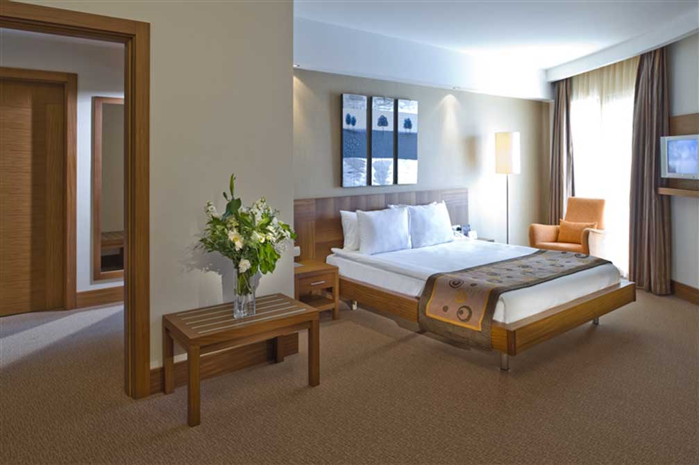 https://golftravelpeople.com/wp-content/uploads/2019/04/Voyage-Golf-Spa-Hotel-14.jpg