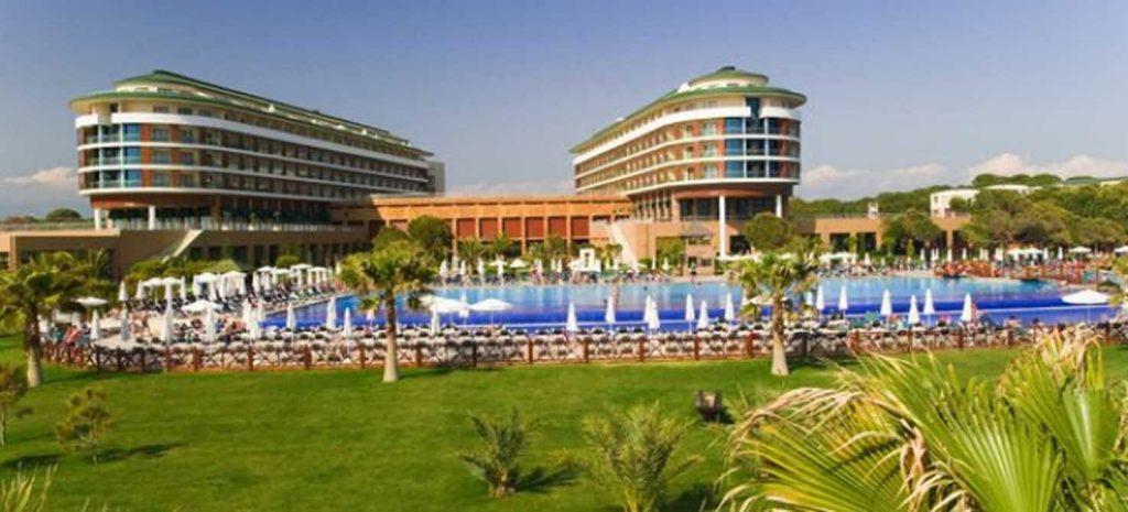 https://golftravelpeople.com/wp-content/uploads/2019/04/Voyage-Golf-Spa-Hotel-5-1024x465.jpg