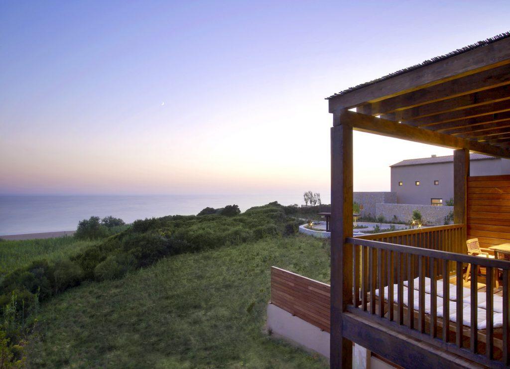 https://golftravelpeople.com/wp-content/uploads/2019/04/Westin-Resort-Costa-Navarino-Premium-Suite-view-1024x741.jpg