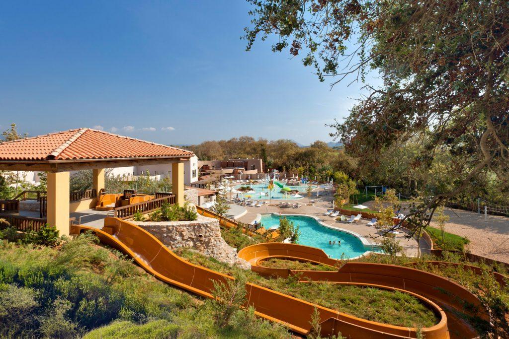 https://golftravelpeople.com/wp-content/uploads/2019/04/Westin-Resort-Costa-Navarino-The-Aquapark-1024x683.jpg