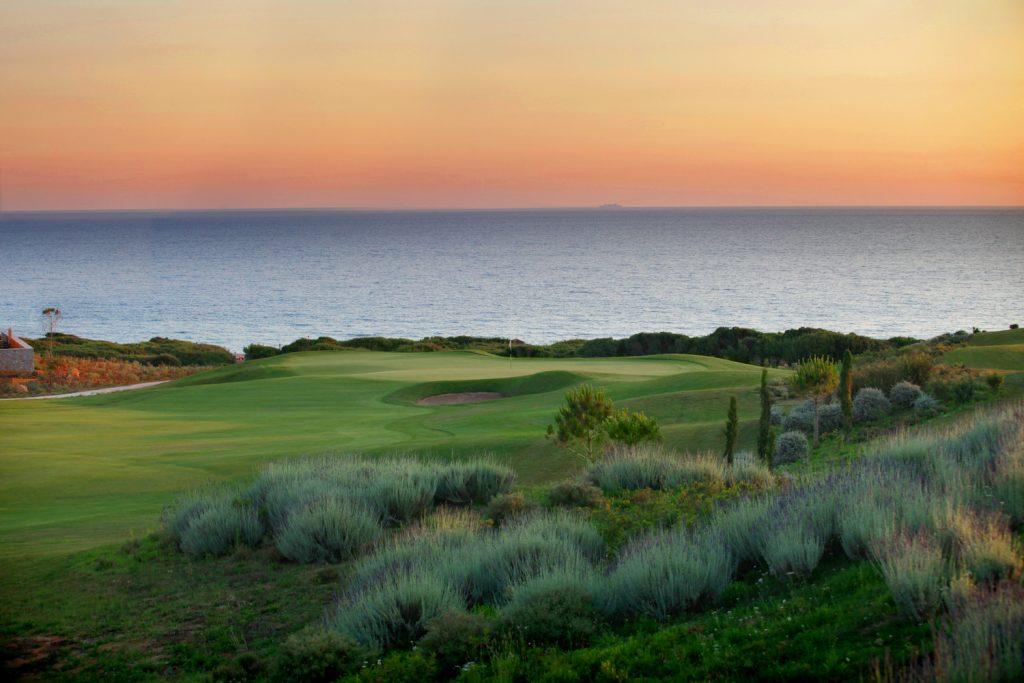 https://golftravelpeople.com/wp-content/uploads/2019/04/Westin-Resort-Costa-Navarino-The-Dunes-Course-1024x683.jpg