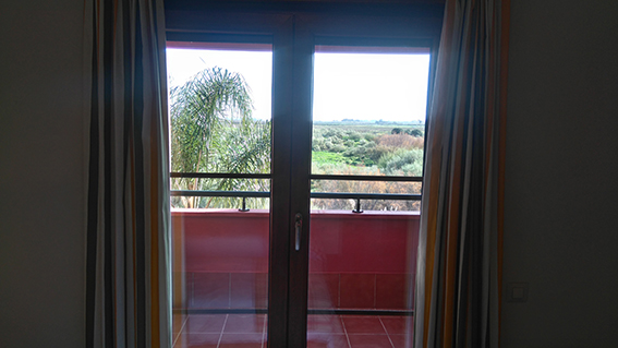 https://golftravelpeople.com/wp-content/uploads/2019/04/isla-canela-golf-beach-apartments-142.jpg