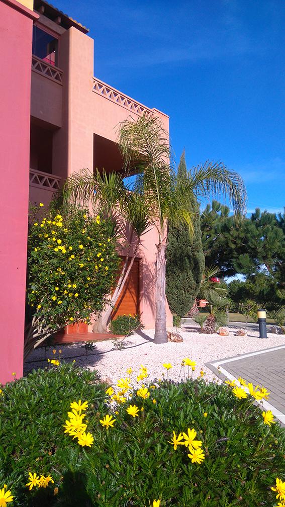https://golftravelpeople.com/wp-content/uploads/2019/04/isla-canela-golf-beach-apartments-168.jpg