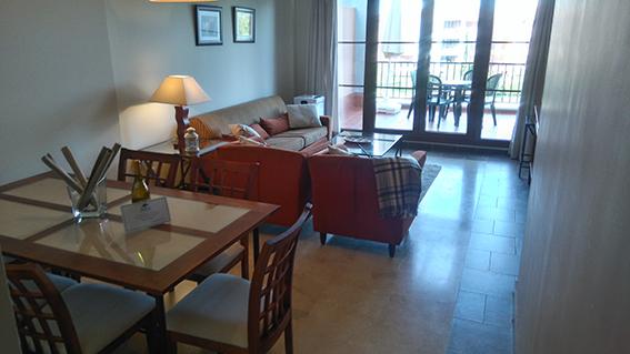 https://golftravelpeople.com/wp-content/uploads/2019/04/isla-canela-golf-beach-apartments-171.jpg