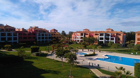 https://golftravelpeople.com/wp-content/uploads/2019/04/isla-canela-golf-beach-apartments-180.jpg