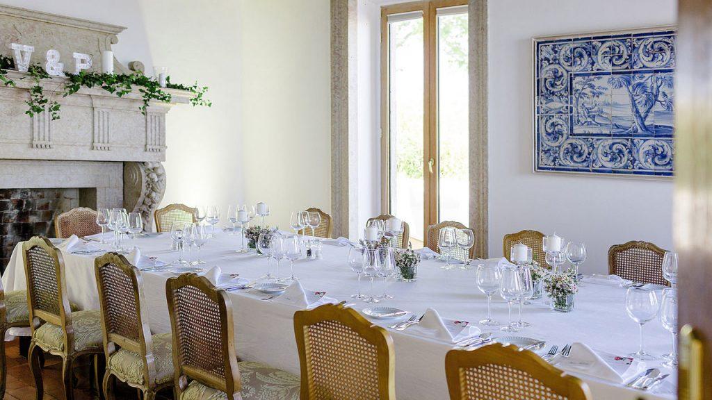 https://golftravelpeople.com/wp-content/uploads/2019/05/Albatroz-Hotel-Cascais-1-1024x576.jpg