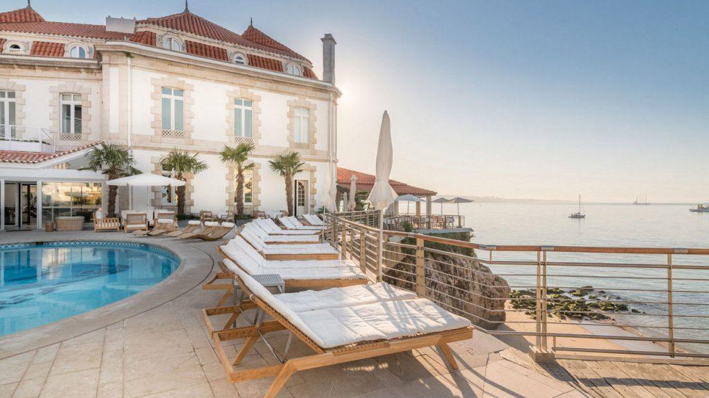 https://golftravelpeople.com/wp-content/uploads/2019/05/Albatroz-Hotel-Cascais-11-1024x576.jpg