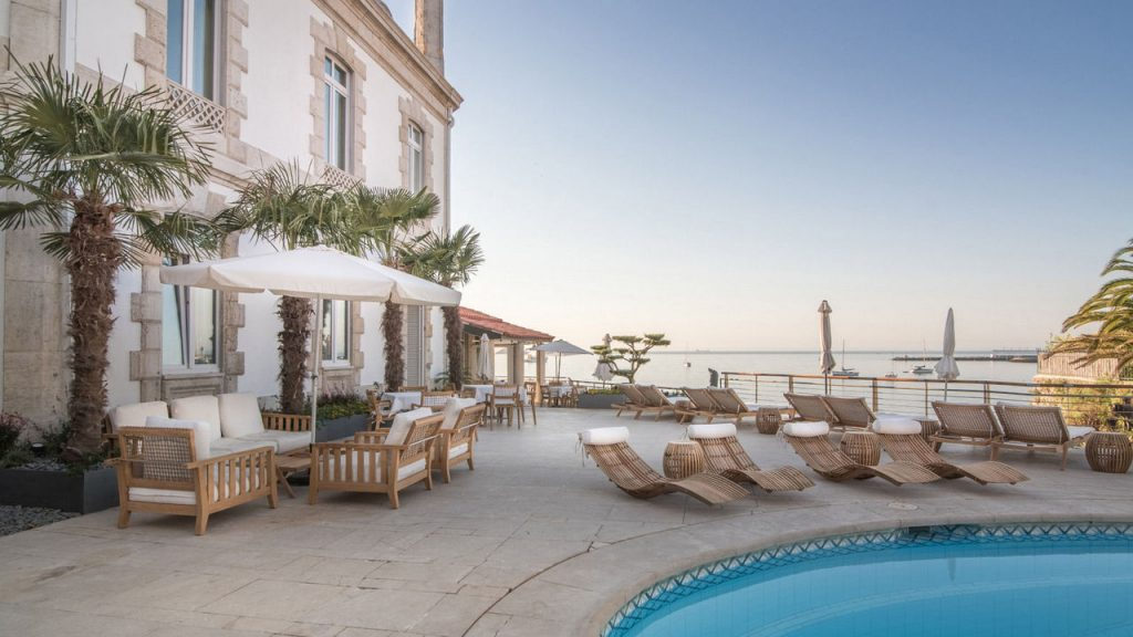 https://golftravelpeople.com/wp-content/uploads/2019/05/Albatroz-Hotel-Cascais-23-1024x576.jpg