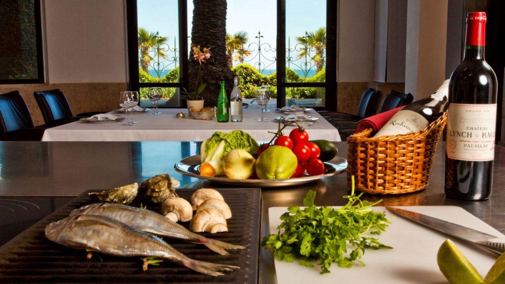 https://golftravelpeople.com/wp-content/uploads/2019/05/Albatroz-Hotel-Cascais-26-1024x576.jpg