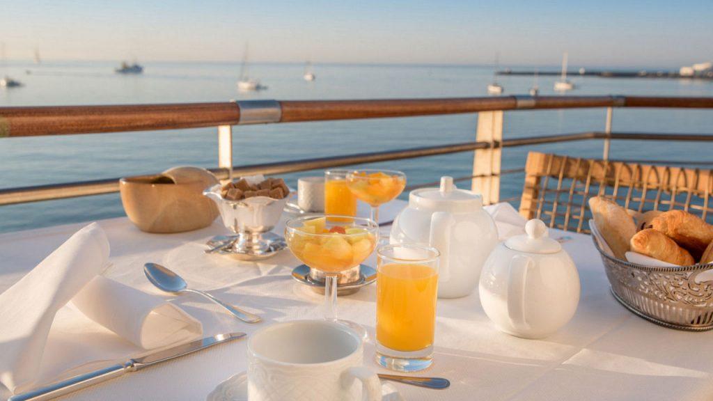 https://golftravelpeople.com/wp-content/uploads/2019/05/Albatroz-Hotel-Cascais-6-1024x576.jpg
