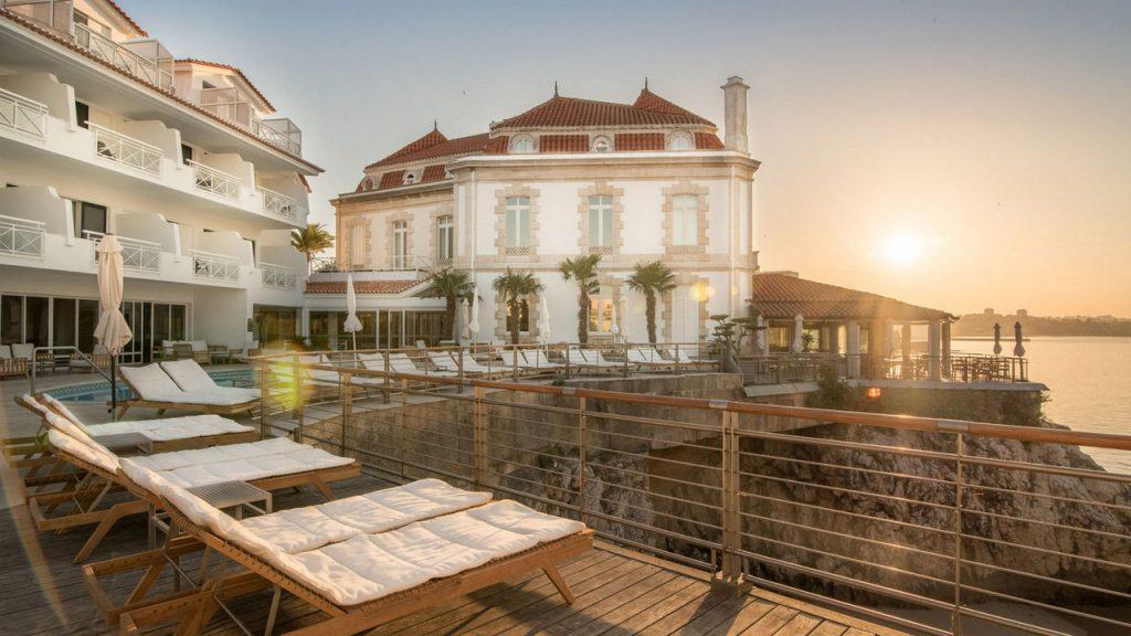 https://golftravelpeople.com/wp-content/uploads/2019/05/Albatroz-Hotel-Cascais-7-1024x576.jpg