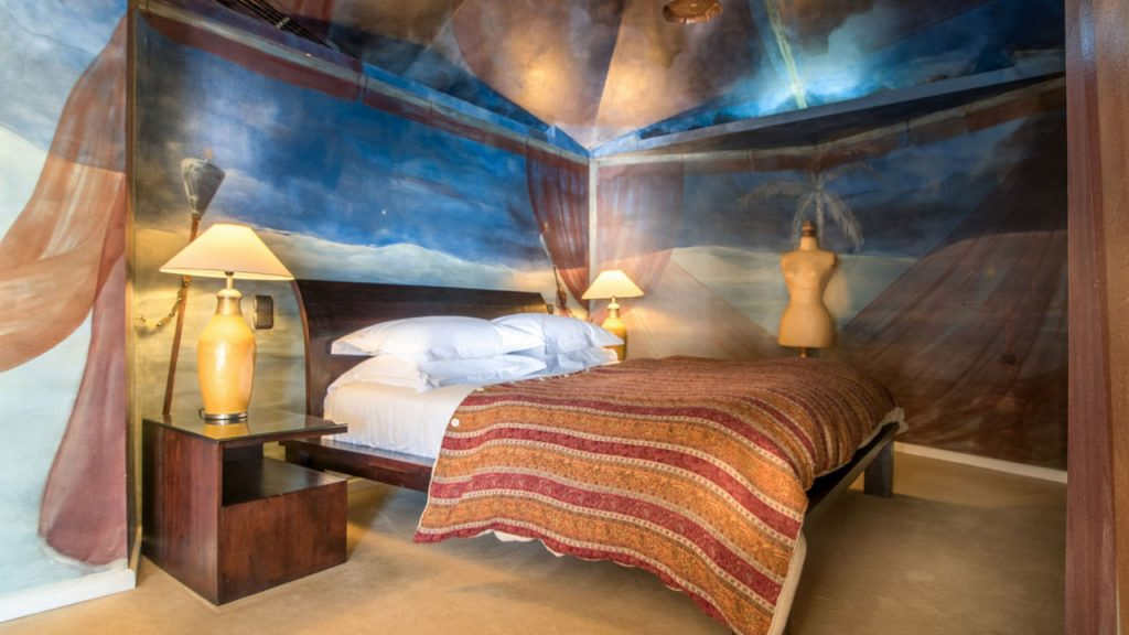 https://golftravelpeople.com/wp-content/uploads/2019/05/Albatroz-Hotel-Cascais-Bedrooms-3-1024x576.jpg