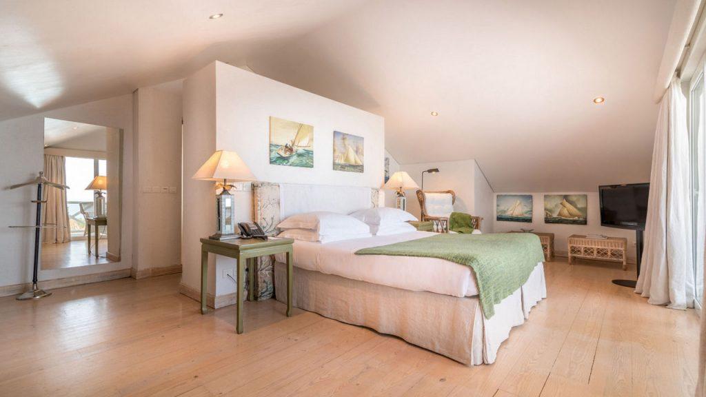 https://golftravelpeople.com/wp-content/uploads/2019/05/Albatroz-Hotel-Cascais-Bedrooms-7-1024x576.jpg