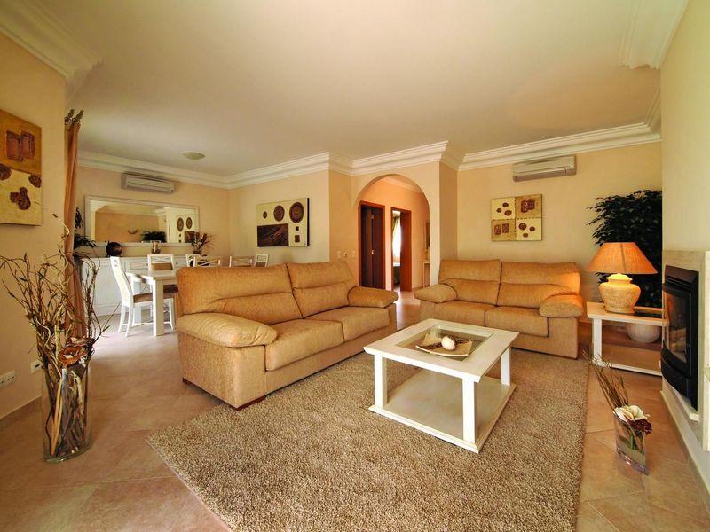 https://golftravelpeople.com/wp-content/uploads/2019/05/Boavista-Golf-Resort-3-bedroom-Villas-1.jpg