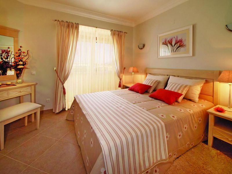 https://golftravelpeople.com/wp-content/uploads/2019/05/Boavista-Golf-Resort-3-bedroom-Villas-4.jpg
