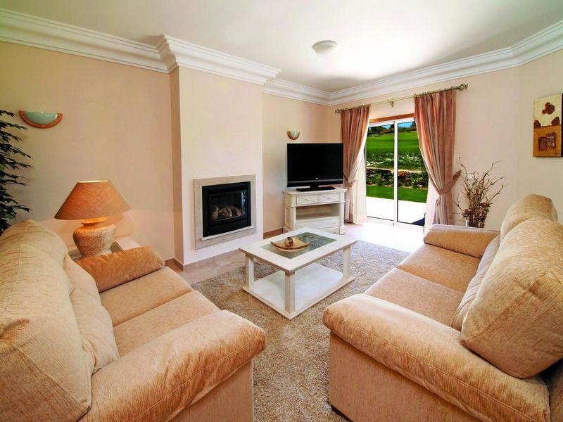 https://golftravelpeople.com/wp-content/uploads/2019/05/Boavista-Golf-Resort-3-bedroom-Villas-7.jpg