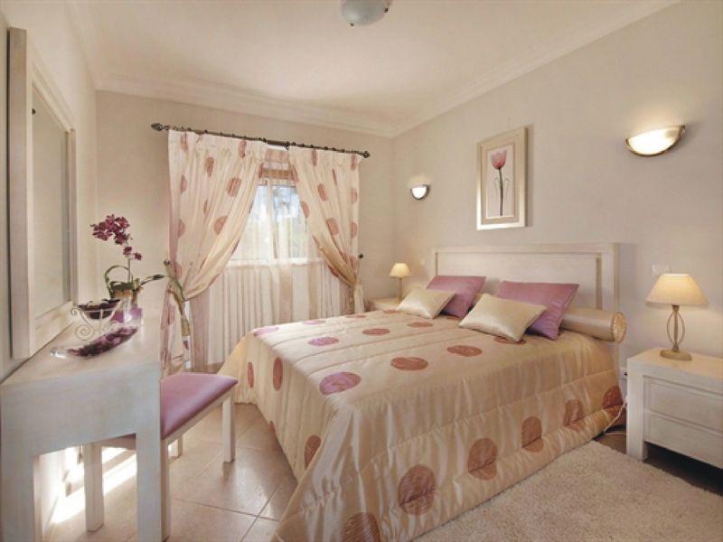 https://golftravelpeople.com/wp-content/uploads/2019/05/Boavista-Golf-Resort-4-bedroom-Villas-4.jpg