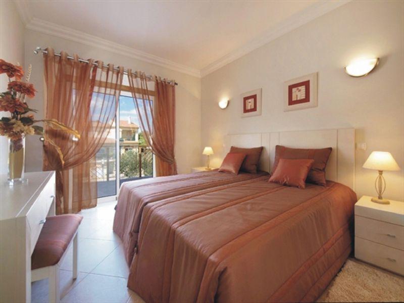 https://golftravelpeople.com/wp-content/uploads/2019/05/Boavista-Golf-Resort-4-bedroom-Villas-5.jpg