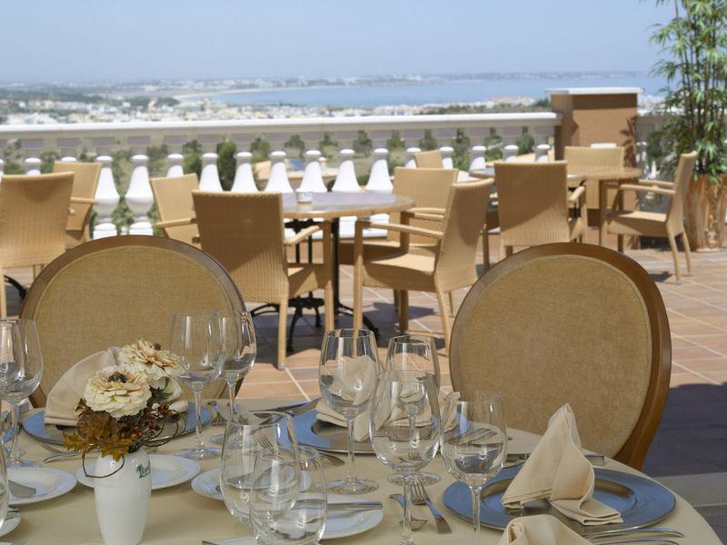 https://golftravelpeople.com/wp-content/uploads/2019/05/Boavista-Golf-Resort-Restaurants-FandB-3.jpg