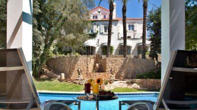 https://golftravelpeople.com/wp-content/uploads/2019/05/Casa-Vela-Guesthouse-Cascais-Hotel-6-400x224.jpg