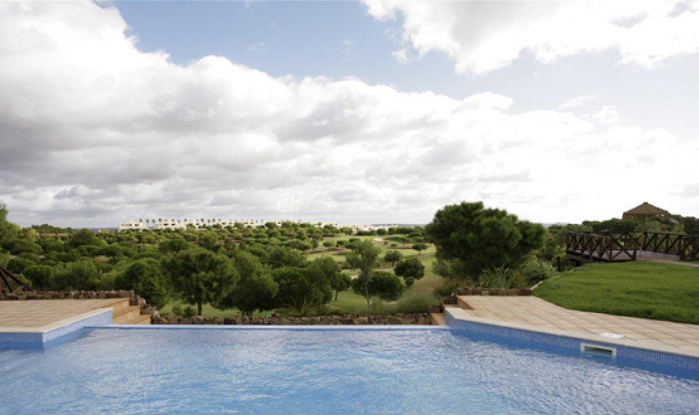 https://golftravelpeople.com/wp-content/uploads/2019/05/Castro-Marim-Golf-Club-Bella-Vistas-Villa-10.jpg