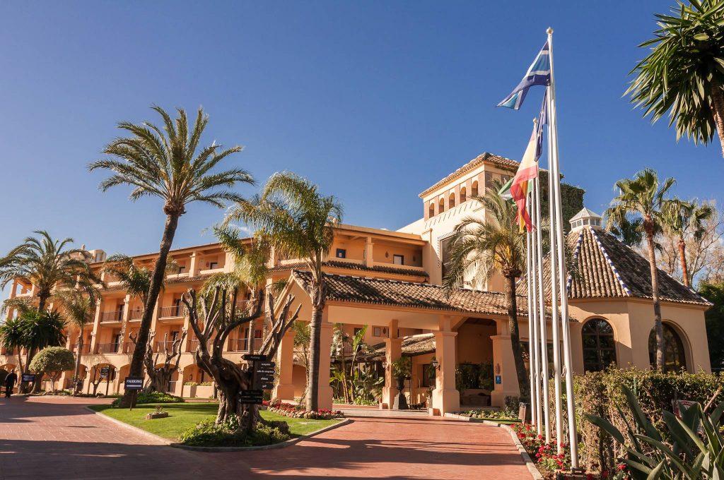 https://golftravelpeople.com/wp-content/uploads/2019/05/Guadalmina-Hotel-Spa-and-Golf-Resort-39-1024x680.jpg