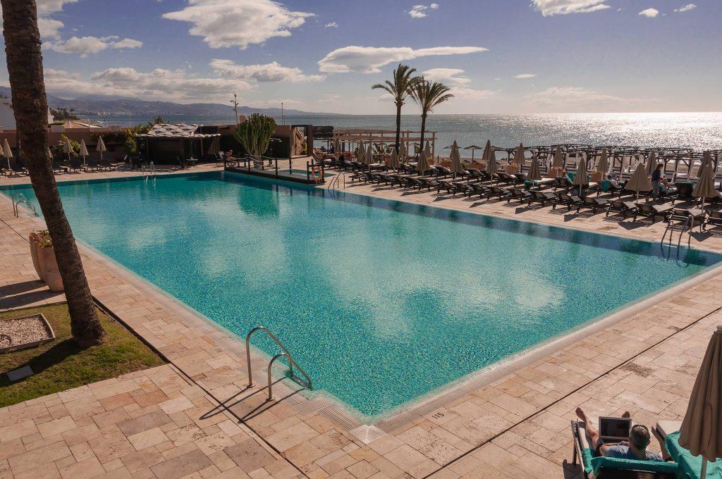 https://golftravelpeople.com/wp-content/uploads/2019/05/Guadalmina-Hotel-Spa-and-Golf-Resort-Swimming-Pools-1-1024x680.jpg