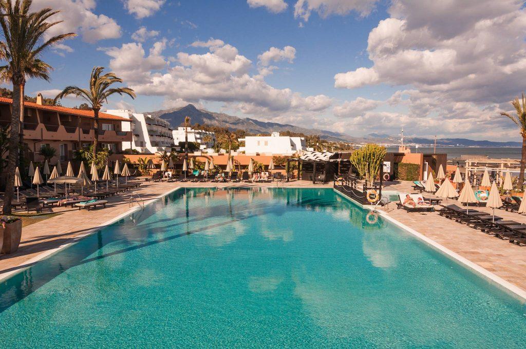 https://golftravelpeople.com/wp-content/uploads/2019/05/Guadalmina-Hotel-Spa-and-Golf-Resort-Swimming-Pools-3-1024x680.jpg