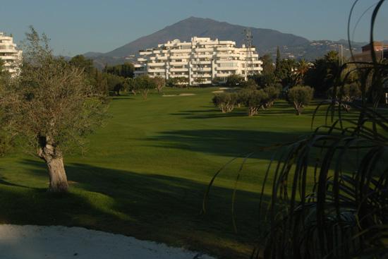 https://golftravelpeople.com/wp-content/uploads/2019/05/Real-Club-de-Golf-Guadalmina-34.jpg
