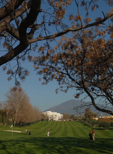 https://golftravelpeople.com/wp-content/uploads/2019/05/Real-Club-de-Golf-Guadalmina-36.jpg