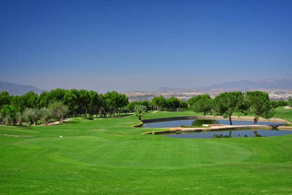 https://golftravelpeople.com/wp-content/uploads/2019/06/Altorreal-Golf-Club-Murcia-New-1-1024x683.jpg