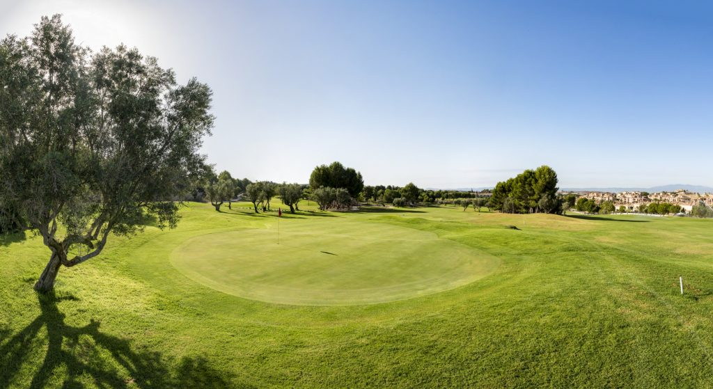 https://golftravelpeople.com/wp-content/uploads/2019/06/Altorreal-Golf-Club-Murcia-New-11-1024x559.jpg