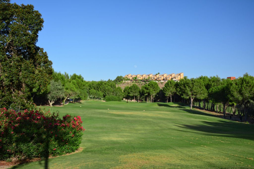 https://golftravelpeople.com/wp-content/uploads/2019/06/Altorreal-Golf-Club-Murcia-New-13-1024x682.jpg