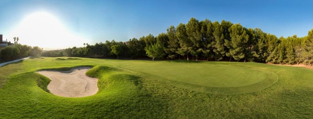 https://golftravelpeople.com/wp-content/uploads/2019/06/Altorreal-Golf-Club-Murcia-New-14-1024x391.jpg