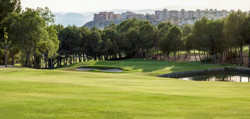 https://golftravelpeople.com/wp-content/uploads/2019/06/Altorreal-Golf-Club-Murcia-New-16-1024x489.jpg