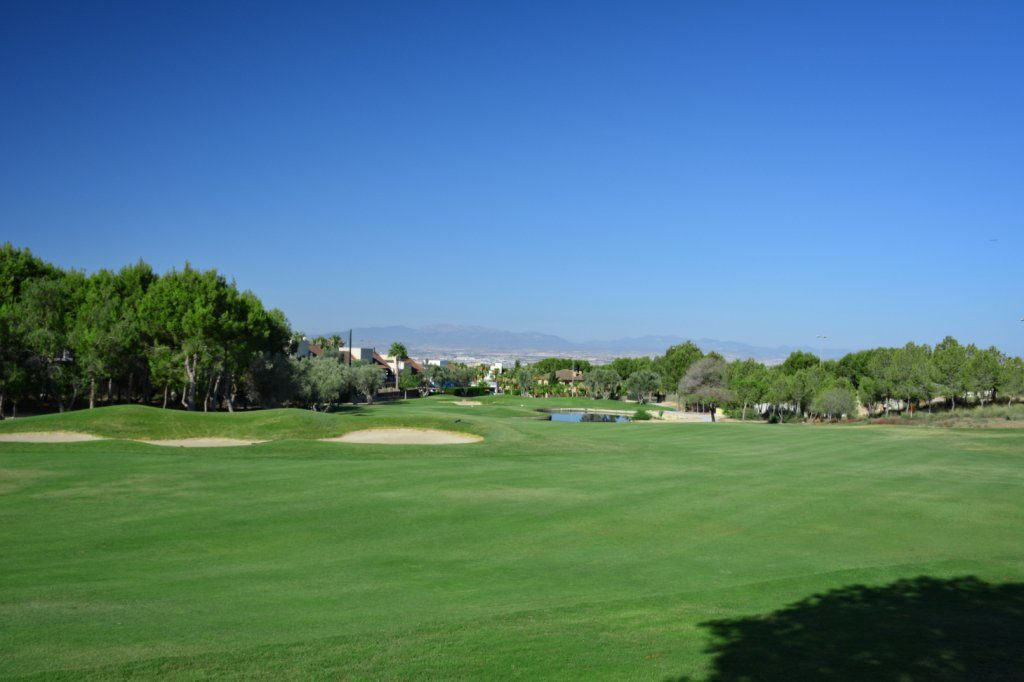 https://golftravelpeople.com/wp-content/uploads/2019/06/Altorreal-Golf-Club-Murcia-New-17-1024x682.jpg
