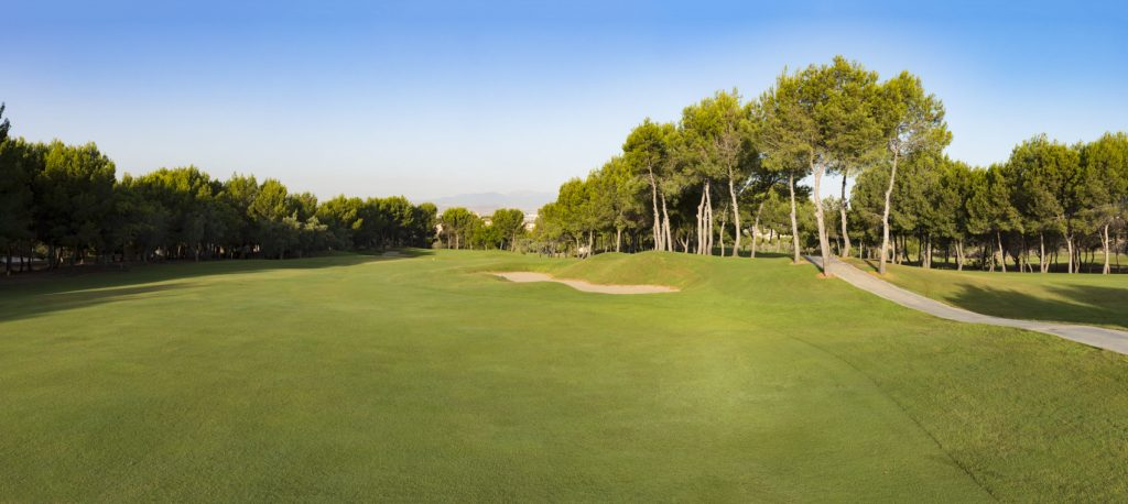 https://golftravelpeople.com/wp-content/uploads/2019/06/Altorreal-Golf-Club-Murcia-New-18-1024x458.jpg
