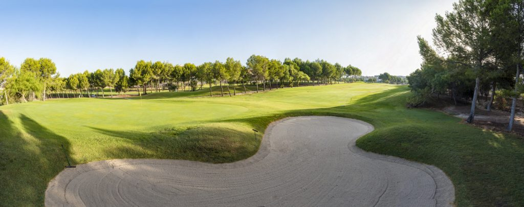 https://golftravelpeople.com/wp-content/uploads/2019/06/Altorreal-Golf-Club-Murcia-New-19-1024x405.jpg