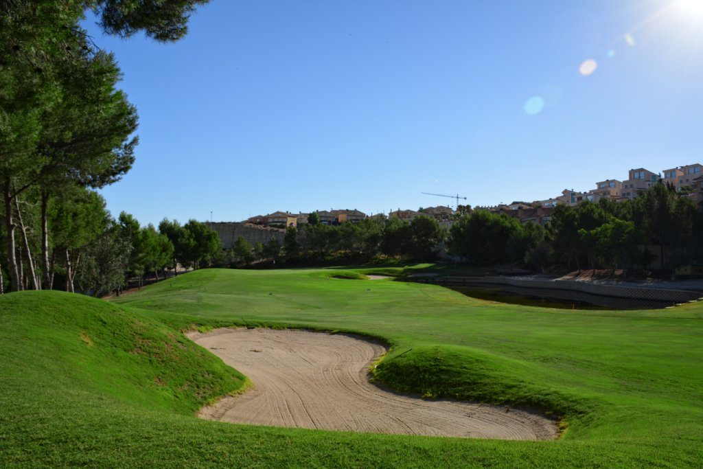 https://golftravelpeople.com/wp-content/uploads/2019/06/Altorreal-Golf-Club-Murcia-New-2-1024x683.jpg