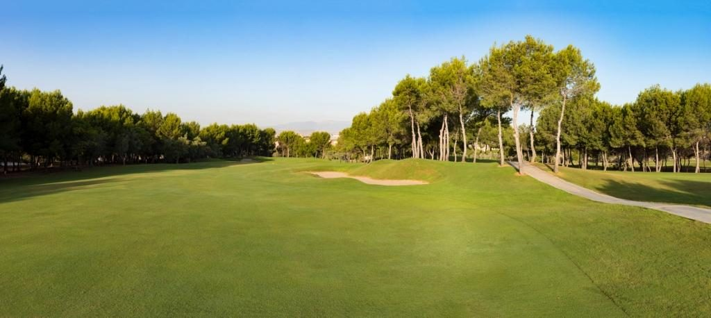 https://golftravelpeople.com/wp-content/uploads/2019/06/Altorreal-Golf-Club-Murcia-New-20-1024x458.jpg