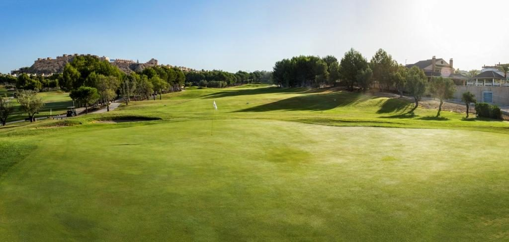 https://golftravelpeople.com/wp-content/uploads/2019/06/Altorreal-Golf-Club-Murcia-New-21-1024x488.jpg
