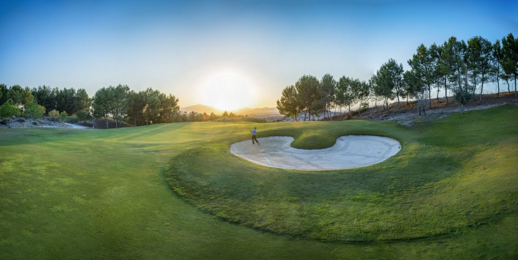https://golftravelpeople.com/wp-content/uploads/2019/06/Altorreal-Golf-Club-Murcia-New-4-1024x515.jpg