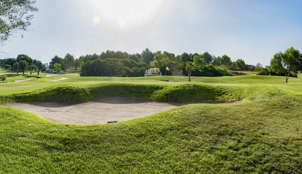 https://golftravelpeople.com/wp-content/uploads/2019/06/Altorreal-Golf-Club-Murcia-New-9-1024x591.jpg